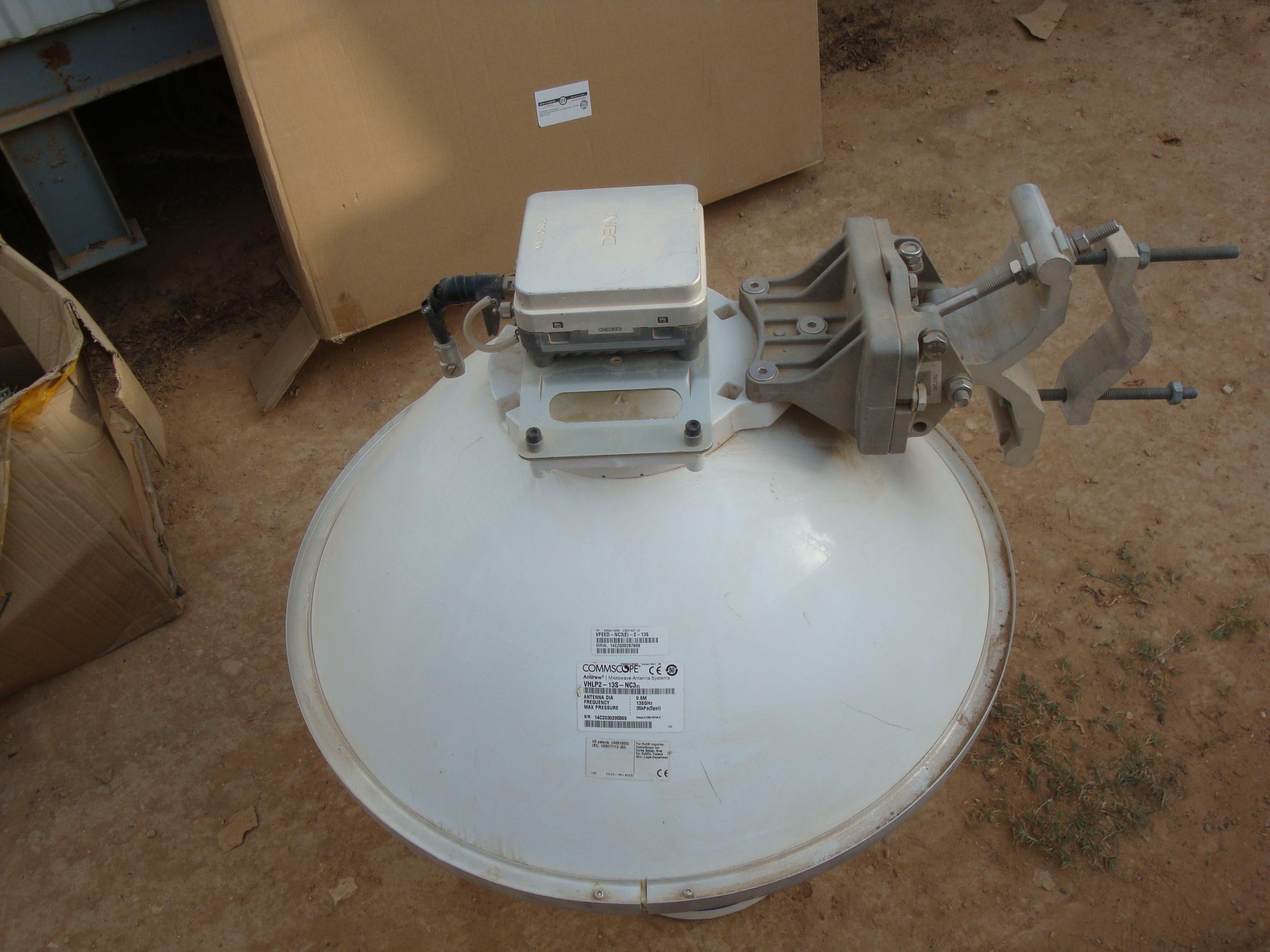 0.6M Antenna dia. Freq. range 13SGhz WITH BRACKET & Pasolink ODU (NEC) Japan