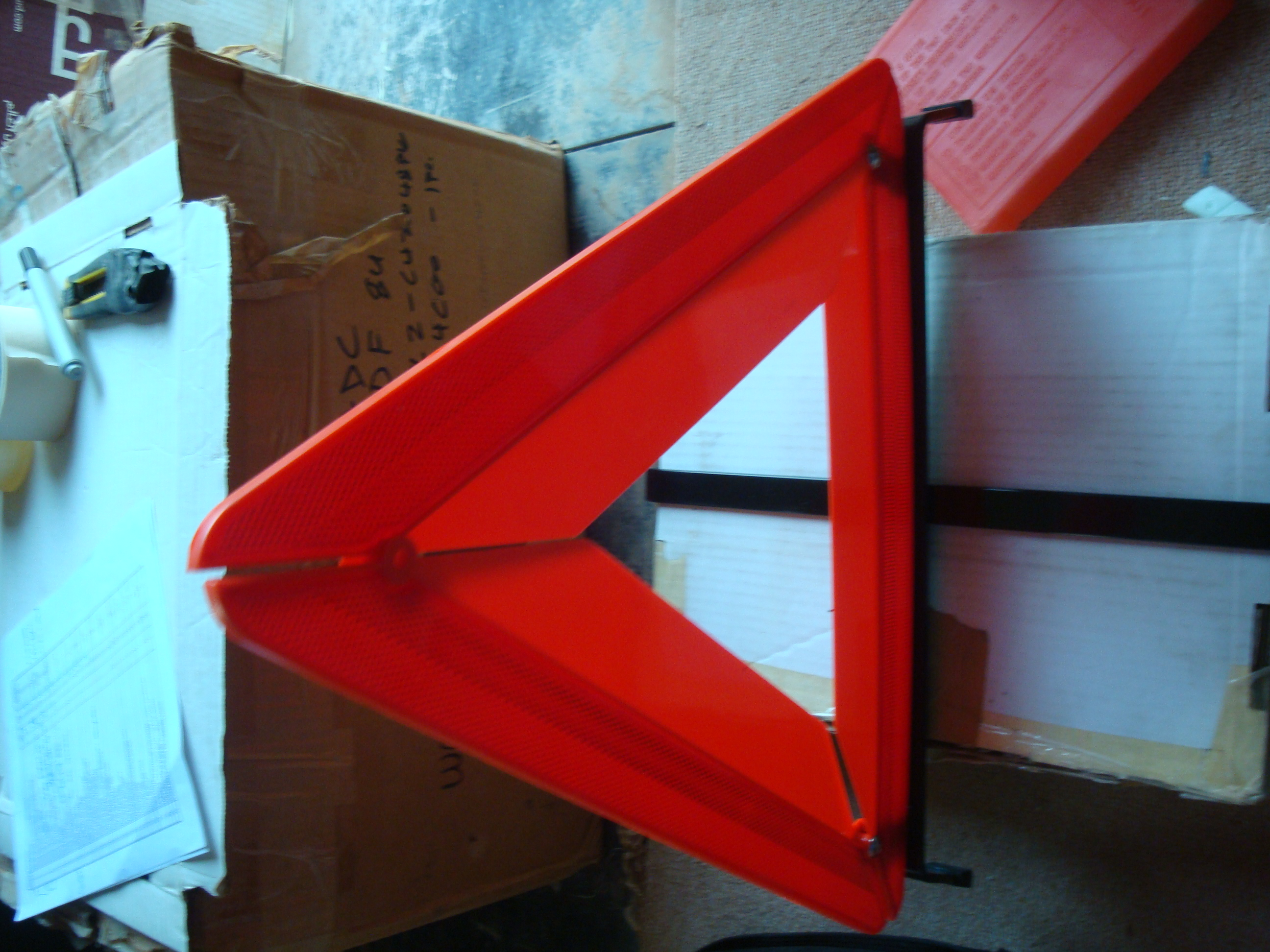 TOYOTA EARLY WARNING DEVICE TRIANGLE